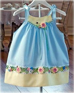 Платье для девочки украшенное своими руками (фото)