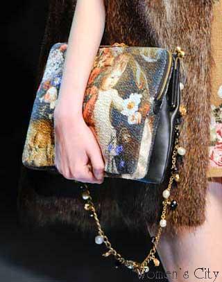 Дольче-Габбана сумка отделанная гобеленом из коллекции осень-зима 2012-2013.