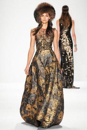 Платье с золотой вышивкой (фото)
