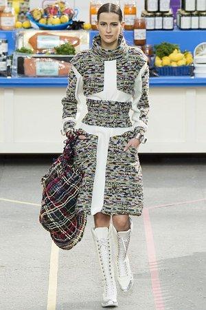Теплое трикотажное платье (фото)