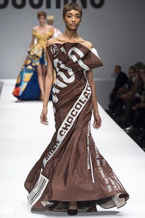 Платье с изображением упаковки от шоколадки (фото)