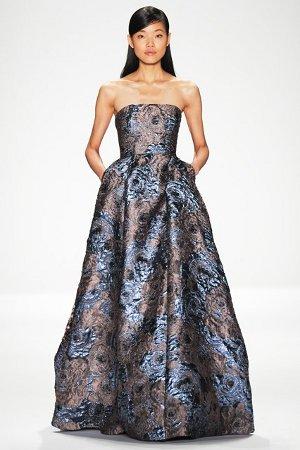 Платье с голыми плечами