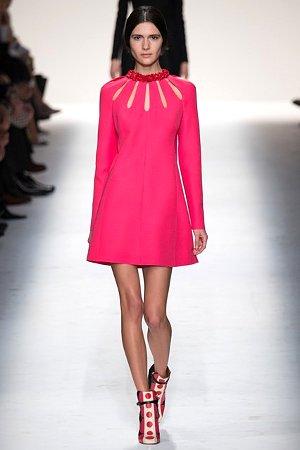 Платье цвета фуксии - тренд сезона осень-зима 2014-2015