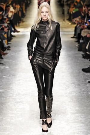 Кожаные брюки из коллекции Blumarine 2014-15 (фото)