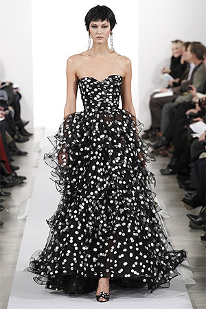 Вечернее платье в горошек (фото)