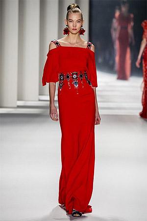 Модное красное платье