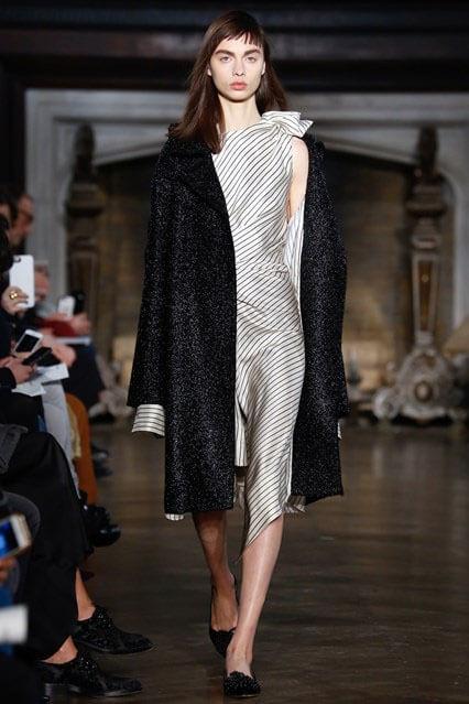 Модные женские плащи осень-зима 2016-2017 – новинки, 53 фото cf6b1e09848
