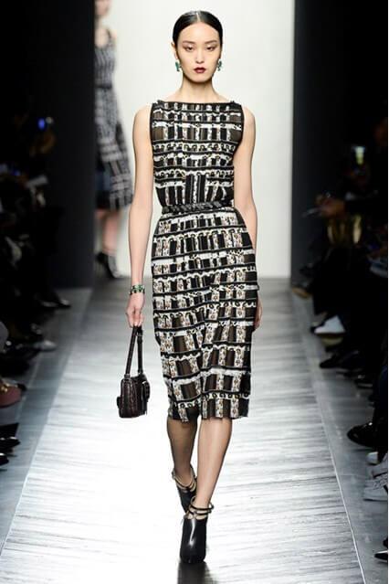 Деловое платье-футляр от Bottega Veneta