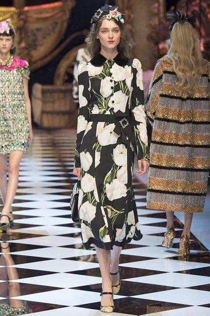 Цветочный принт на деловом платье от Dolce and Gabbana