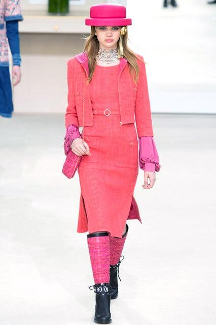 Модное розовое офисное платье 2016-17 от Chanel