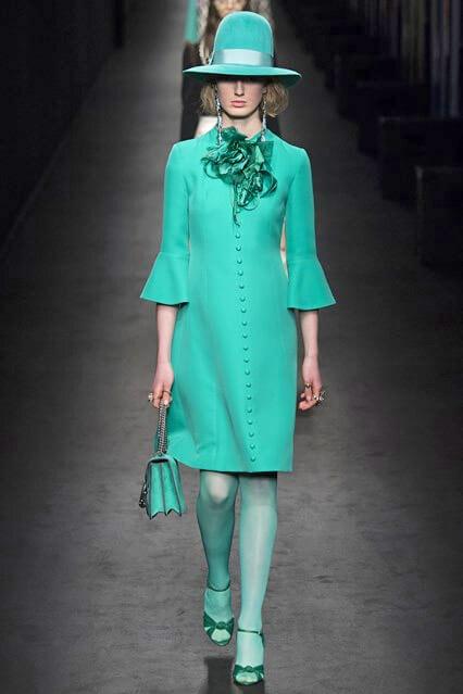 Бирюзовое офисное платье от Gucci