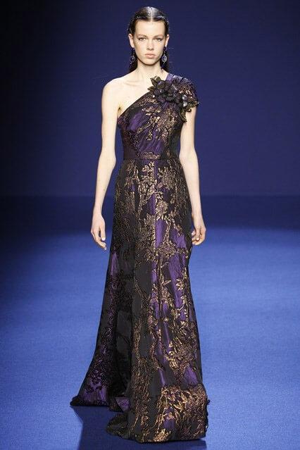 ab5a834f240 вечернее платье в греческом стиле из коллекции осень-зима 2016-2017 ...