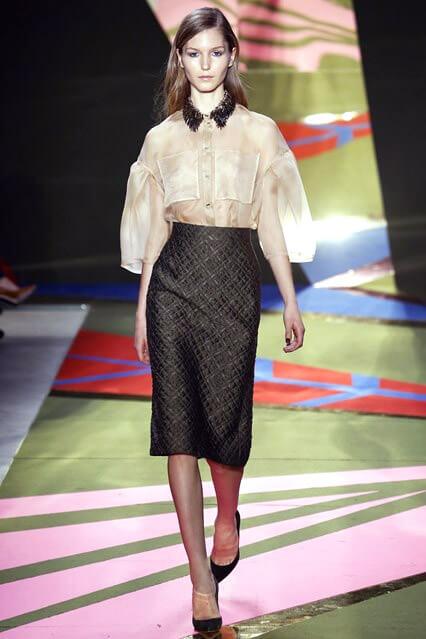 Модная деловая юбка-карандаш от Lela Rose