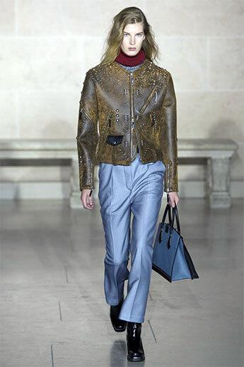 бледно-голубые брюки от Louis Vuitton