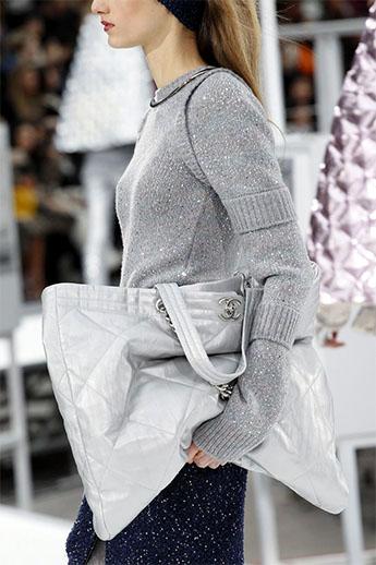 Большая сумка-баул от Chanel