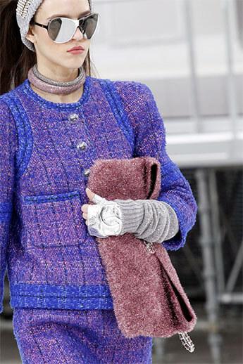 Меховая сумочка от Chanel
