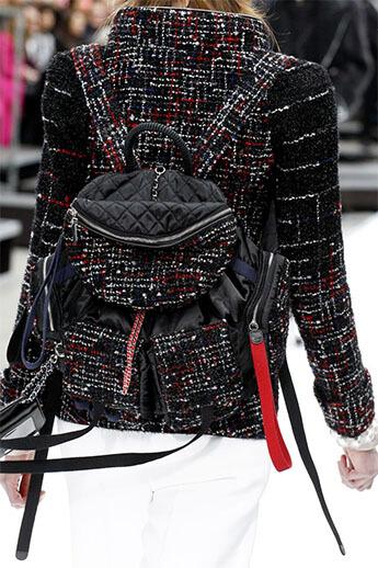 Женский рюкзак от Chanel