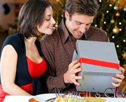 Как выбрать духи мужчине в подарок какой подарок лучше сделать девушке на 8 марта