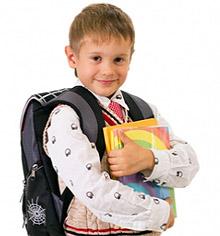 Школьник с рюкзаком фото