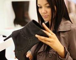Как отличить кожу от кожзаменителя при выборе обуви?
