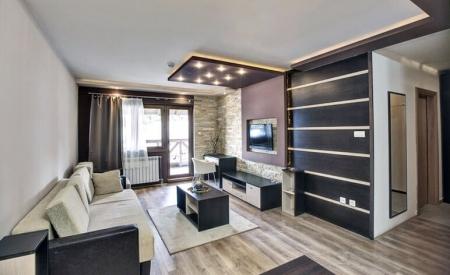 Телевизор в гостиной (фото)