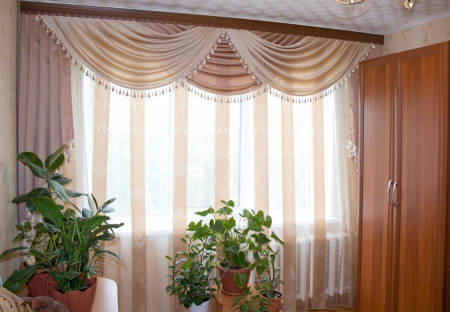 Шторы в гостиной, придающие уют (фото)