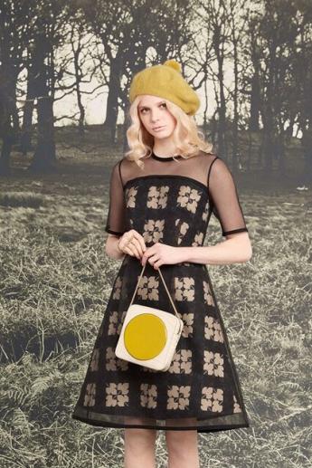 Берет горчичной расцветки из коллекции Orla Kiely (фото)