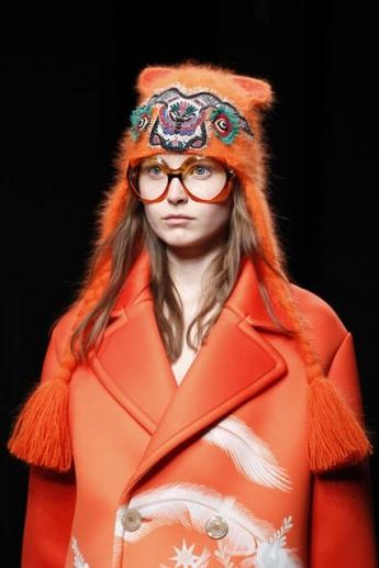 Вязаная шапочка от Gucci с этническим рисунком (фото)