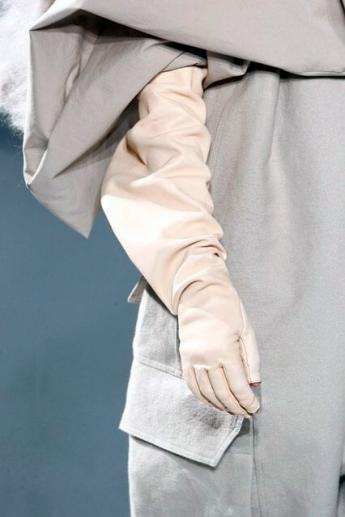 Длинные перчатки от Rick Owens