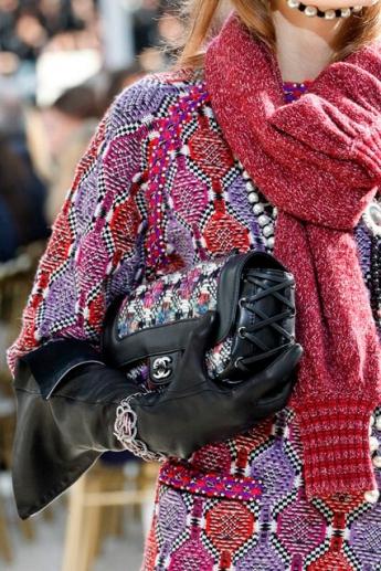 Кожаные длинные перчатки от Chanel (Фото)