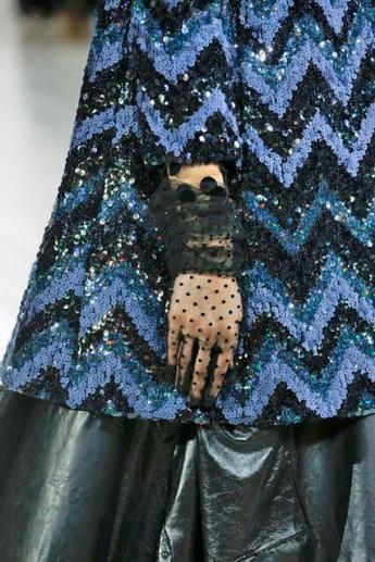 Черные прозрачные перчатки из коллекции Marc Jacobs (фото)