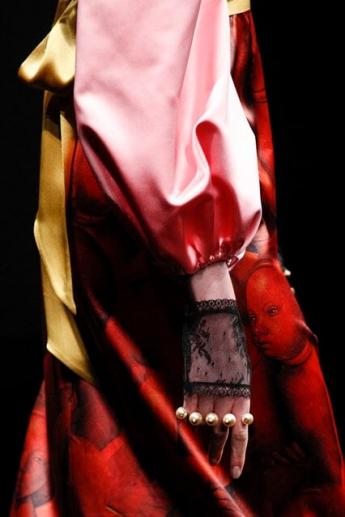 Модные полупрозрачные митенки от Gucci (фото)