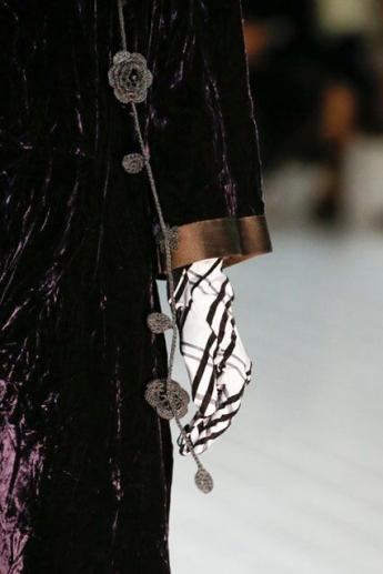 Тканевые перчатки с геометрическим принтом от Marc Jacobs (фото)