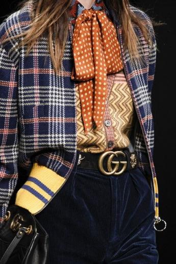Модный шарфик в горошек от Гуччи (фото)