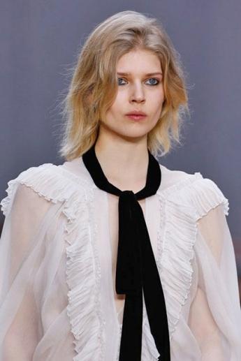 Узкий черный платок-галстук из коллекции Chloe (фото)