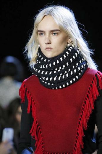 Теплый вязаный шарф из коллекции Altuzarra (фото)