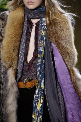 Шелковый шарф с принтом от Roberto Cavalli (фото)
