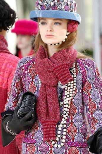 Модный шарф от Chanel (фото)