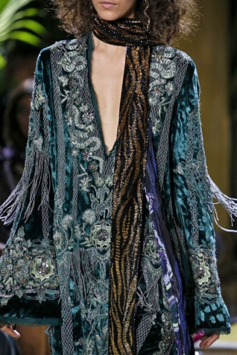 Длинный шарф с люрексом от Roberto Cavalli (фото)