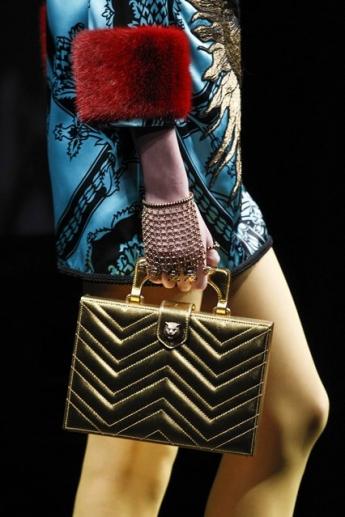 Модная маленькая сумочка от Gucci (фото)