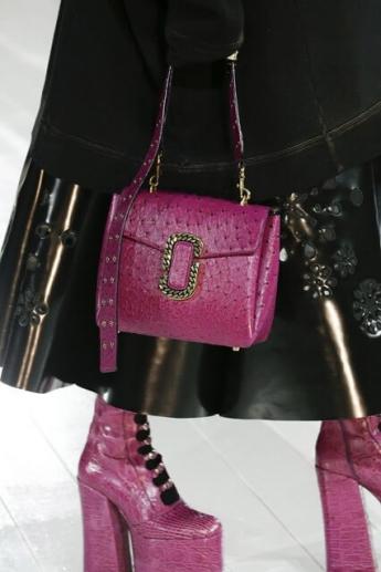 Маленькая сумка от бренда Marc Jacobs (фото)