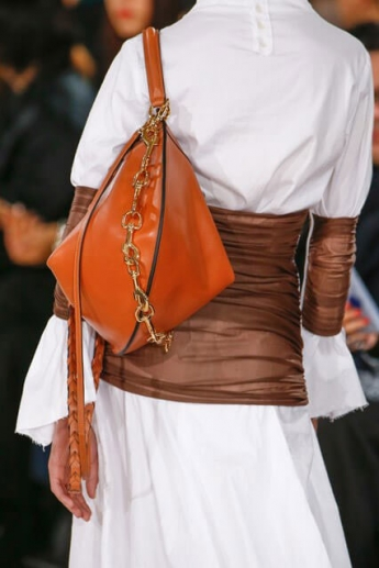 Сумка на одно плечо от Loewe (фото)