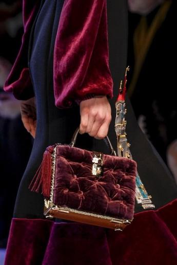 Необычная сумочка от  Dolce and Gabbana (фото)