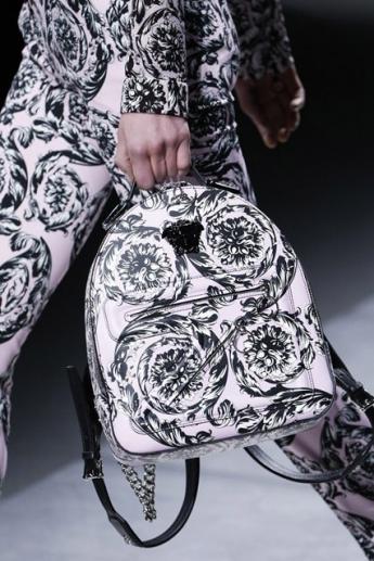 Сумка-рюкзак из коллекции Versace (фото)
