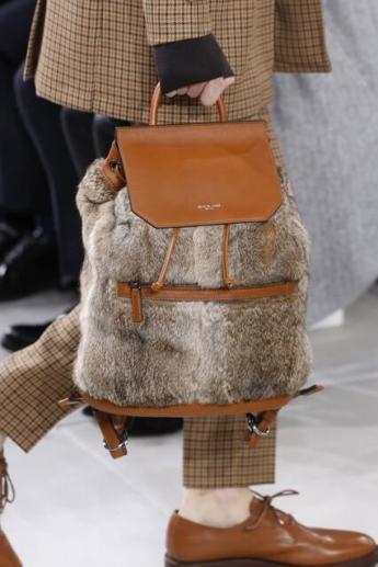 Женская сумка-рюкзак от Michael Kors (фото)