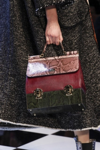 Сумка-трапеция от Dolce and Gabbana