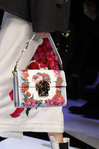 Модная сумочка с цветочным принтом от Dolce and Gabbana (фото)