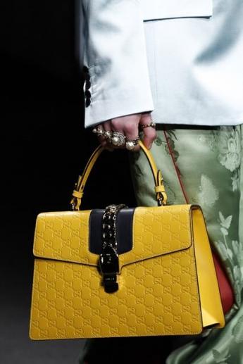 Модная желтая сумочка осень-зима 2016/2017 от Gucci (фото)
