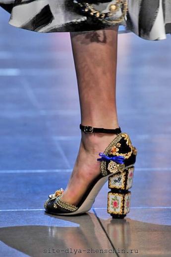 Изысканный декор каблука от Dolce and Gabbana