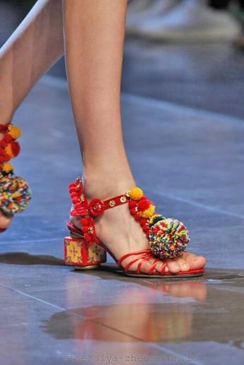 Расписной каблук от Dolce and Gabbana
